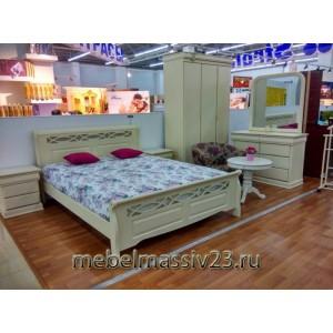Кровати из массива гевеи